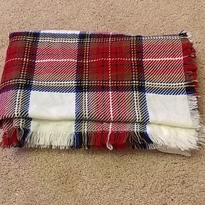 Accessories - 🎉BUNDLE AND SAVE 🎉 Plaid blanket scarf